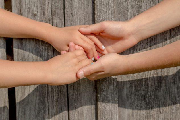 hands-2847510_1280